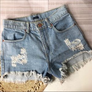 Brandy Melville Mid Rise Distressed Shorts Size 28